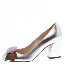 2429f73b1f1 Gucci Metallic Silver Leather Web Bow Rose Detail Block Heel Pumps Size 37