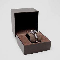 Gucci Black Bangle 1400L Womens Wristwatch 25.5 MM