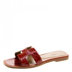 d104d370e532 Hermes Brick Red Alligator Leather Oran Box Sandals Size 39