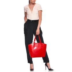 Louis Vuitton Rouge Grenadine Monogram Vernis Avalon GM Bag