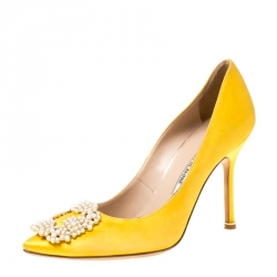 quality design 2bef0 e2d6c Manolo Blahnik Yellow Satin Hangisi Pearl Embellished Pumps ...