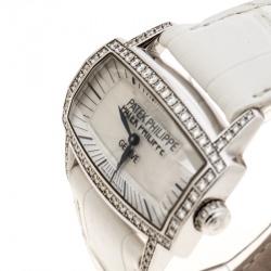 3f15dc4bd ساعة يد نسائية باتيك فيليم غوندولو غيما 4981 ذهب أبيض عيار 18 وألماس صدف  بيضاء 3755