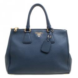 dfb7408ce0e20 حقيبة برادا يد علوية سحاب مزدوج جلد داينو فيتلو زرقاء