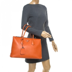 8b1a36b92ad Buy Pre-Loved Authentic Prada Totes for Women Online | TLC