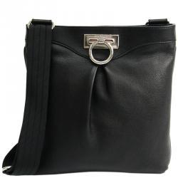 3de5b4ba83 Buy Pre-Loved Authentic Salvatore Ferragamo Shoulder Bags for Women ...