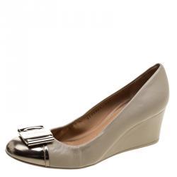 54675a33a Salvatore Ferragamo Beige/Gold Leather Cap Toe Wedge Pumps Size 39.5