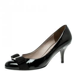 e8fad16f078 Salvatore Ferragamo Black Patent Leather Carla Vara Bow Pumps Size 38