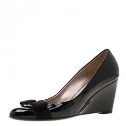 e5702498a1 Salvatore Ferragamo Black Patent Leather Flo Vara Bow Wedge Pumps Size 36.5