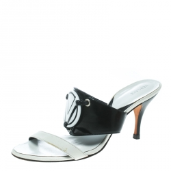 f0fd9e491 Buy Authentic Pre-Loved Versace Shoes for Women Online