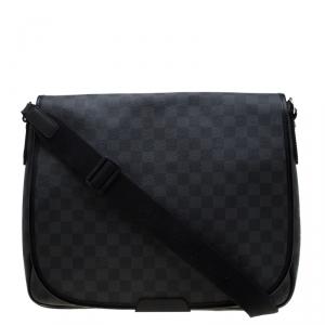Louis Vuitton Damier Graphite Canvas Daniel MM Messenger Bag