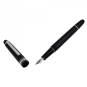 Montblanc Classique Black Resin Silver Tone Fountain Pen
