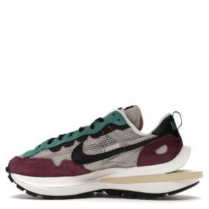 Nike x Sacai Vaporwaffle Villain Red Neptune Green Sneakers Size EU 44 (US 10)