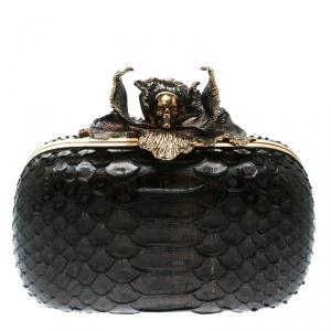 حقيبة كلتش أليكساندر ماكوين صندوق بجمجمة وزهرة جلد ثعبان بنية داكنة
