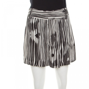 Alice + Olivia Monochrome Stripe Printed Crepe Pleated Shorts S - used