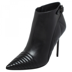 Burberry Black Leather Zipper Detail Ankle Boots Size 40 - used