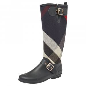 Burberry Black Rubber And Fabric Check Buckle Detail Rain Boots Size 38 - used