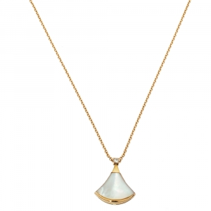Bvlgari Divas' Dream Diamond Mother of Pearl 18K Rose Gold Pendant Necklace
