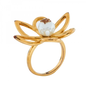 Carolina Herrera Gold Tone Floral Cocktail Ring Size EU 56