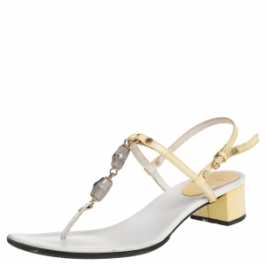 Gucci Cream/White Patent And Leather Thong Sandals Size 37.5 - used