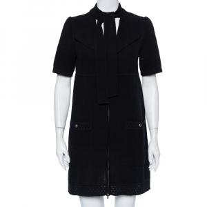 فستان شانيل تريكو أسود مثقب بربطة عنق بسحاب أمامي مقاس متوسط - ميديوم