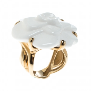Chanel Camelia White Agate Flower 18K Yellow Gold Ring Size 51