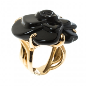 Chanel Camelia Carved Onyx 18K Yellow Flower Cocktail Gold Ring Size 50