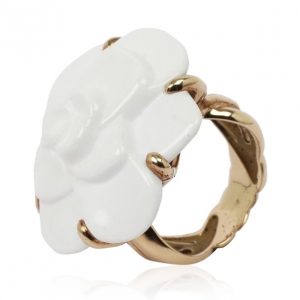 Chanel Camelia White Agate Flower 18K Yellow Gold Ring Size 54