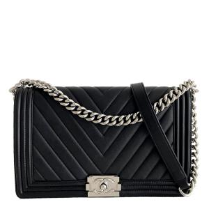 Chanel Black Chevron Lambskin Leather New Medium Boy Bag