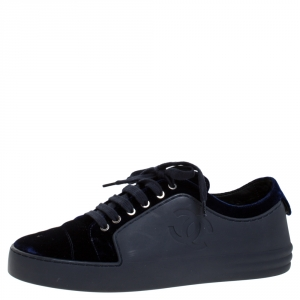 Chanel Blue Velvet And Rubber CC Low Top Sneakers Size 38