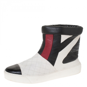 Chanel Tricolor Quilted Leather Cap Toe Ankle Bootes Size 38