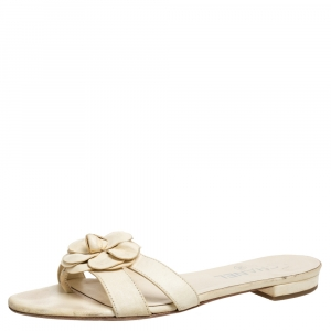 Chanel Beige Leather Camellia Open Toe Slide Sandals Size 37 - used