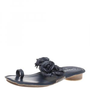 Chanel Navy Blue Leather Camellia Toe Ring Flat Sandals Size 40 - used