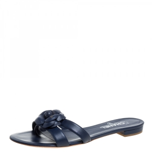 Chanel Blue Leather Camellia Embellished CC Thong Flat Slides Size 41.5