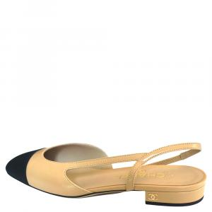 Chanel Beige/Black Leather and Fabric Cap Toe Slingback Flats Sandals Size 38