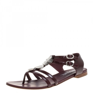 Chanel Burgundy Leather Camellia Thong Sandals Size 37.5 - used