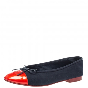 حذاء فلات باليه شانيل فيونكة غطاء مقدمة سى سى وكانفاس أزرق / أحمر مقاس 40