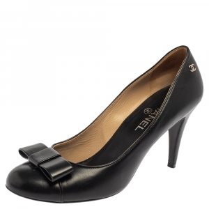 Chanel Black Leather CC Bow Pumps Size 40.5