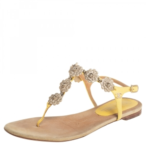 Chanel Yellow/Beige Leather and Suede Camellia Medallion T Strap Thong Sandals Size 37 - used