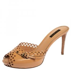 Louis Vuitton Beige Patent Leather Laser Cut  Buckle Detail Slide Sandals Size 38.5