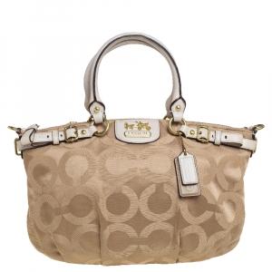 حقيبة كوتش سوفيا ماديسون قماش وجلد بالشعار أبيض/بيج