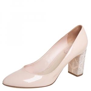 حذاء كعب عالى ديور كعب عرض مزخرف جلد لامع بيج مقاس 38.5