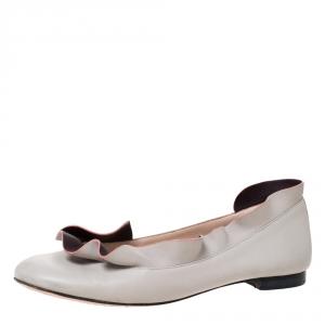 Fendi Grey Leather Ruffle Trim Ballet Flats Size 36.5 - used