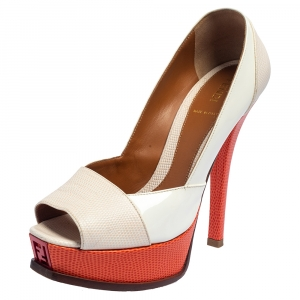 حذاء كعب عالي فندي نعل سميك فنديستا جلد لامع وجلد نقش سحلية برتقالي/ أبيض مقاس 38.5