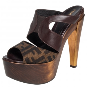 Fendi Brown Leather and Tobacco Zucca Canvas Platform Wooden Sandals Size 38.5 - used