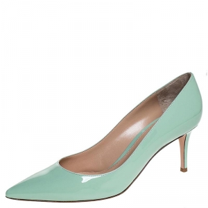 Gianvito Rossi Pistachio Green Pointed Toe Pumps Size 40.5