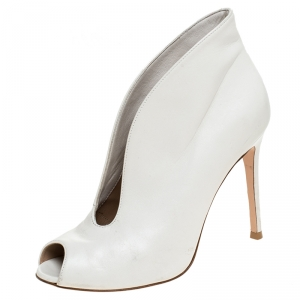 Gianvito Rossi White Leather V Neck Peep Toe Booties Size 37 - used