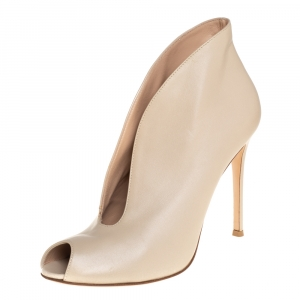 Gianvito Rossi Beige Leather V Neck Peep Toe Booties Size 39.5