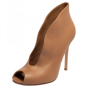 Gianvito Rossi Beige Leather V Neck Peep Toe Booties Size 39 - used