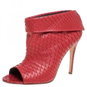 حذاء بوتيز جينا مقدمة مفتوحة جلد ثعبان أحمر مقاس 39.5