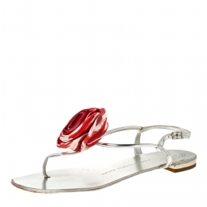 Giuseppe Zanotti Metallic Silver Leather Satin Rose Appliquè Flat Thong Sandals Size 37.5 - used